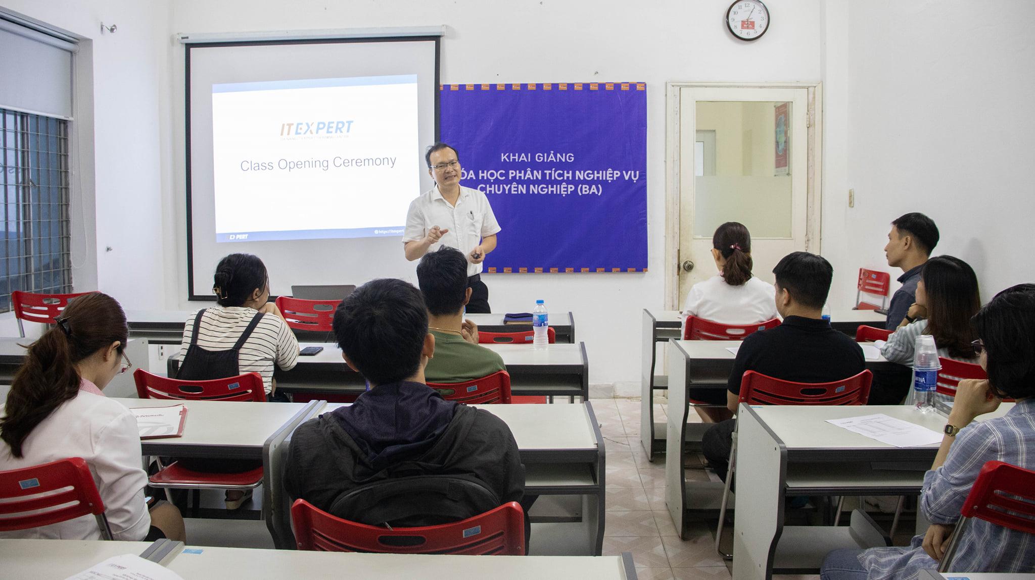 Hinh 1 - Khai giảng khóa học BA chuyên nghiệp
